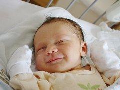 ŠTĚPÁNEK JE ZE VŠECHLAP. Dvou a půlleté Emče se narodil 10. září 2015 v 8.16 hodin bráška Štěpán RAUL. Klouček vážil 3 500 g a měřil 47 cm. Maminka Radka a táta Daniel si nechali prozradit dopředu, že jejich druhý potomek bude kluk.