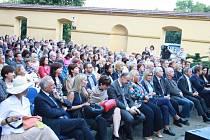 Koncert bratří Ebenů při oslavě 110 let od objevení pramene v Poděbradech