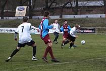 Z fotbalového utkání I.A třídy Bohemia Poděbrady - Kosmonosy (1:1, PK 3:1)