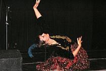 Etno večer v kinoklubu Luft byl v suchu a v tanečních rytmech.