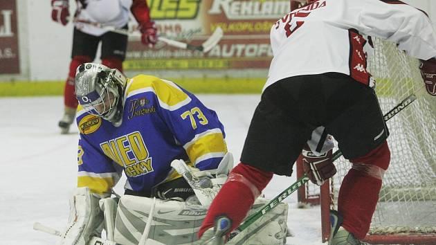 Ze zápasu druhé hokejové ligy Nymburk - Česká Lípa (2:4)