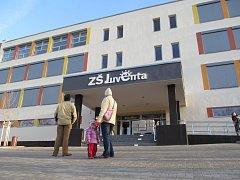 Juventa - největší základní škola v ČR.