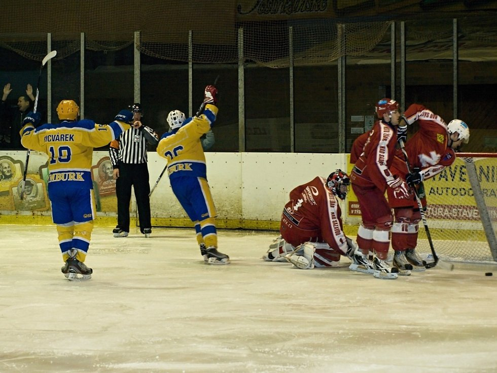Z utkání druhé hokejové ligy Nymburk - Žďár nad Sázavou (4:5 po sn)