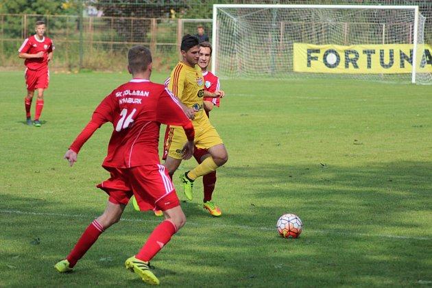 Fotbaloví dorostenci Polabanu Nymburk na Duklu Praha vlbec nestačili.