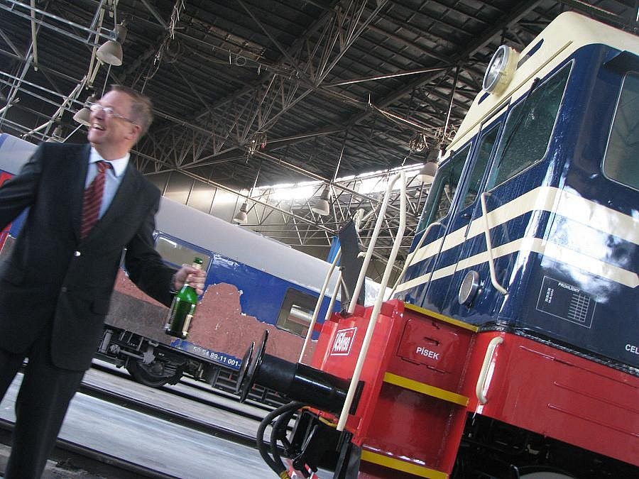 V nymburském Depu pokřtili zrenovovanou lokomotivu z 60. let. Říkají ji Hektor