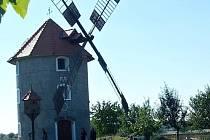 Holandský mlýn v Krchlebích.