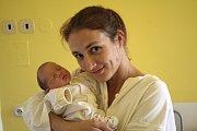 KAROLÍNA ANÝŽOVÁ se narodila 29. října 2018 v 08.25 hodin s délkou 47 cm a váhou 2 470g. Rodiče Jana a Radek z Milovic se na holčičku předem těšili. Doma na ní čeká brácha Patrik.