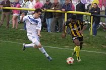Z divizního fotbalového utkání Litol - Kladno (1:0)