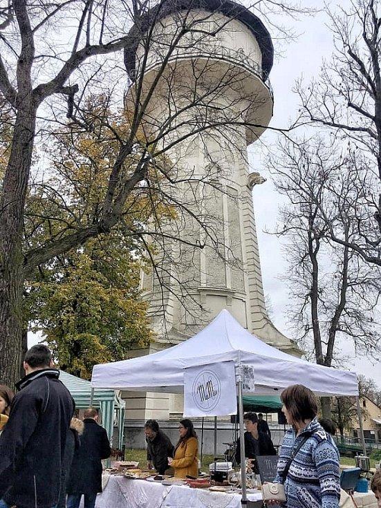 Další díl festivalu Restaurant Day se konal pod vodárenskou věží v Nymburce.