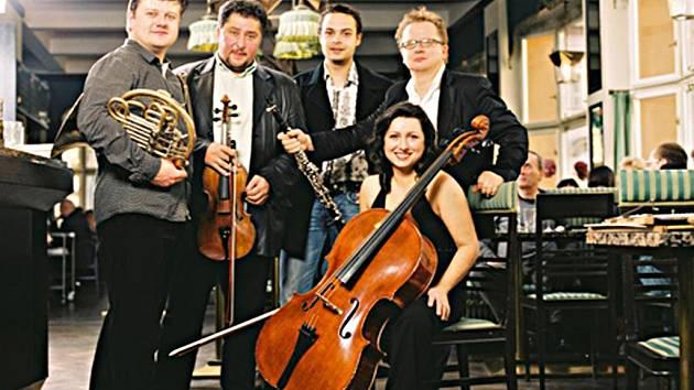 Baborak Ensemble.