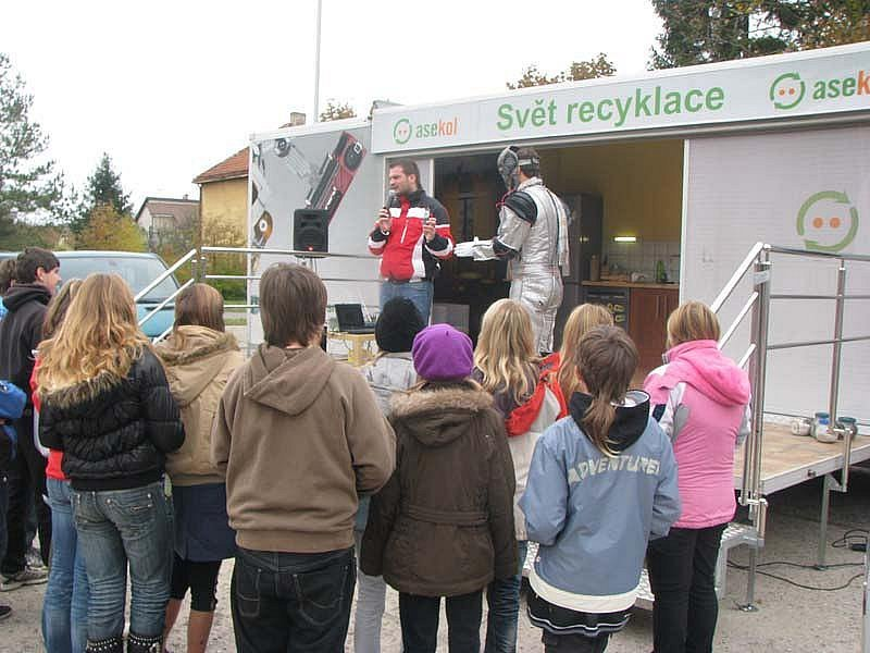 V Městci si školáci užívali recyklohrátky
