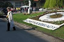 Kolonáda v Poděbradech se leskla od naleštěných kapot fiatů