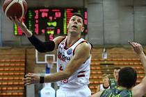 Jasná výhra. Basketbalisté Nymburka porazili Levice 94:64