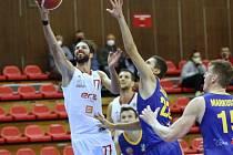 Z basketbalového utkání Kooperativa NBL Nymburk - Opava (91:89 pp)