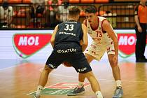 Z basketbalového utkání Kooperativa NBL Nymburk - NH Ostrava (95:75)