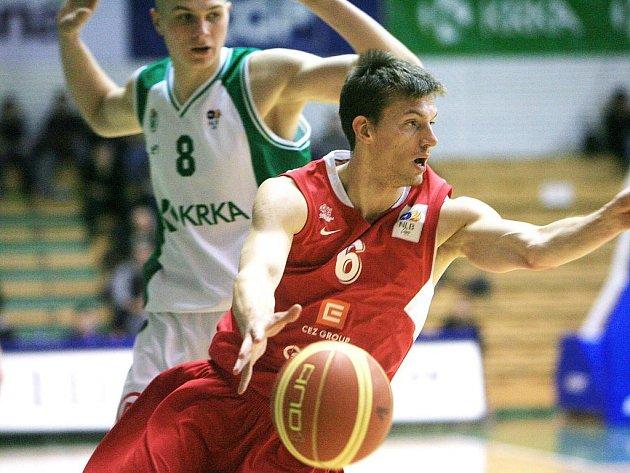 Nymburský bojovník Pavel Pumprla nedohrál utkání s Partizanem Bělehrad kvůli zranění