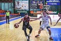 Basketbalisté Nymburka hrají v sobotu na palubovce Pardubic