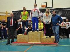 MICHAELA DRABÁLKOVÁ (uprostřed) zvítězila ve své kategorii do 72 kilogramů.