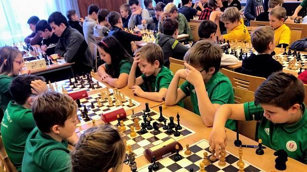 DDM Nymburk uspořádal v Obecním domě Okresní přebor škol v šachu žákovských družstev