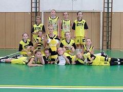 VELKÉHO ÚSPĚCHU dosáhly mladé košíkářky Sadské na turnaji v Ostravě. Tým U13 byl stříbrný, družstvo U11 dokonce zlaté