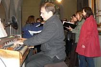 Pěvecké sbory zpívaly na festivalu Hudební víkend v Poděbradech.