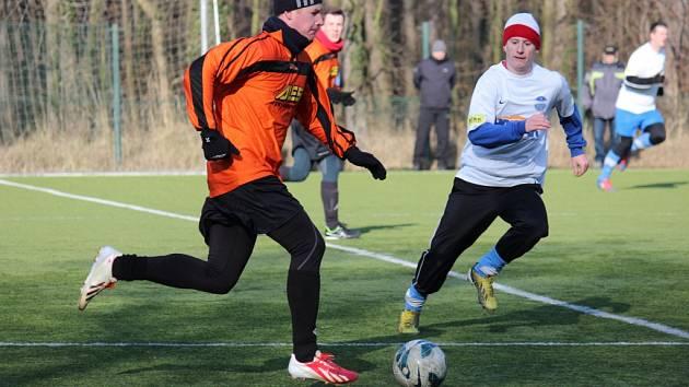 Z fotbalového utkání kolínského zimního turnaje Polaban Nymburk - Libice nad Cidlinou (1:1)