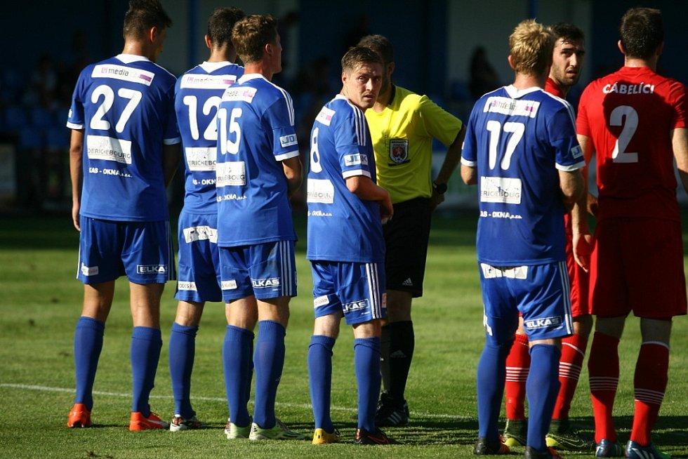 Z fotbalového utkání MOL Cupu Kolín - Králův Dvůr (0:1)