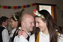 V Hradištku v hostinci U Kocánků se konal již tradiční jarní ples, tentokrát s podtitulem Květinkový.