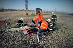 Jedno těžké a dvě středně těžká zranění, to je bilance nehody, která se stala v sobotu 16. listopadu kolem jedenácté hodiny nedaleko Poděbrad. Havaroval zde osobní automobil do stromu.