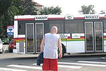 """""""Do Čachovic to znám, ale dál vážně nevim,"""" rozpačitě rozhazoval rukama řidič autobusu"""