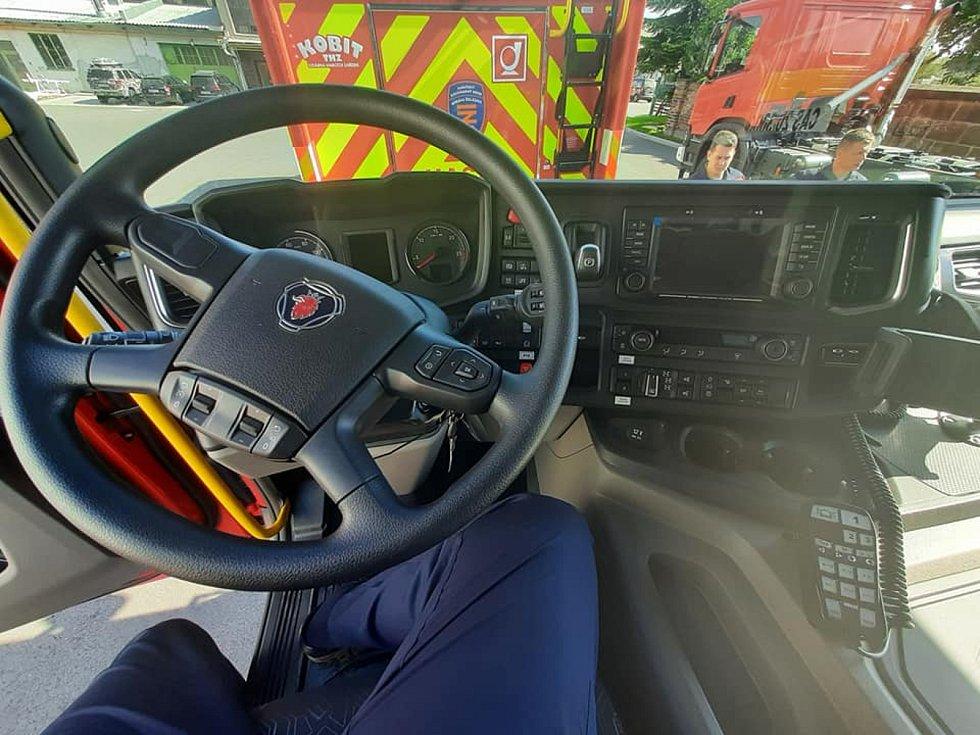 Strojový park nymburských drážních hasičů doznává výrazné modernizace.