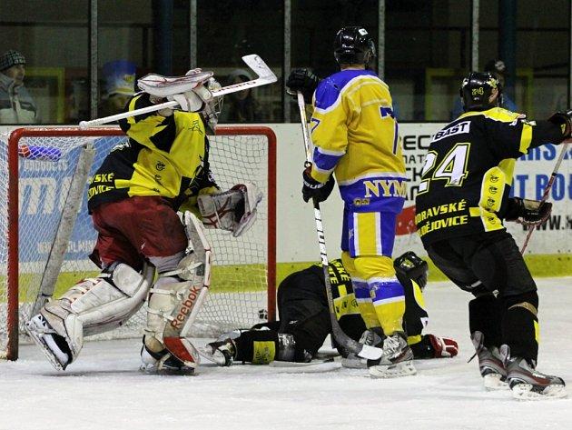 Z utkání druhé hokejové ligy Nymburk - Moravské Budějovice (2:4)