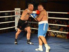 GALAVEČER BOXU se v poděbradské hale Bios uskuteční už popáté. Boxovat bude také Daniel Vencl (vlevo).