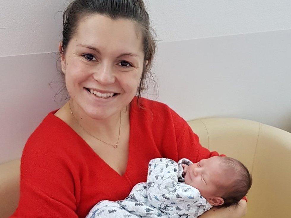 Amálie Zadinová z Poděbrad se narodila v nymburské nemocnici 16. listopadu 2020 ve 12.32 hodin s váhou 3150 g a mírou 49 cm. Radují se z ní rodiče Alžběta a Jiří a sourozenci Monička a Jiříček.