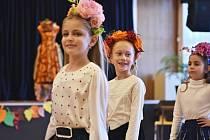 Podzimní módní maraton 2021 - tak zněl název další sezóny dětského mezinárodního festivalu talentů a módy Poklad národů – Interbrilliant World. Jeho prezenční část hostil Obecní dům v Nymburce.