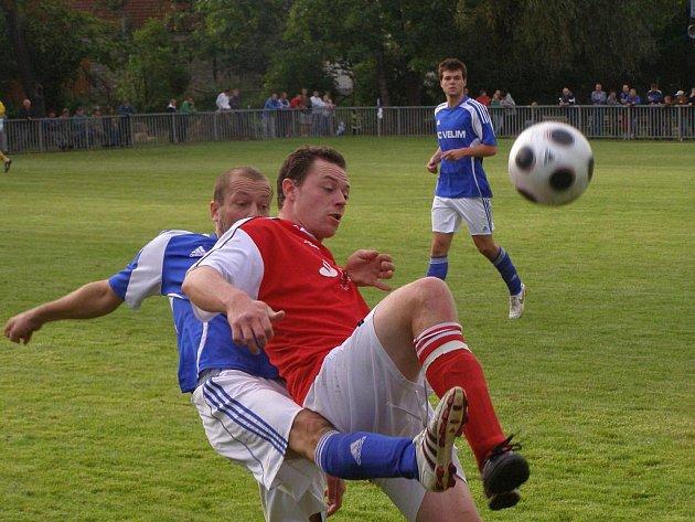 Z fotbalového utkání I.B třídy Poříčany - Velim B (2:2)