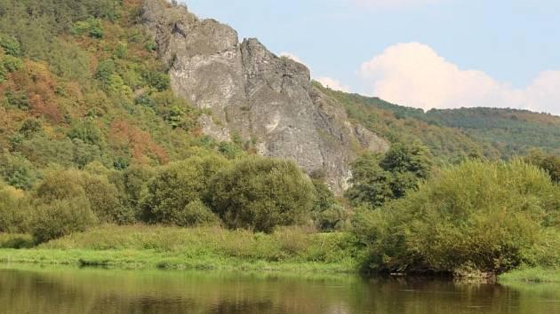 V publikaci bude kladen velký důraz i na nehmotné a kulturní dědictví. Do geoparku by měly být zahrnuty například hornické památky Příbrami, lesní jádro Křivoklátska a několik dalších celků.