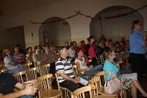 Opakované veřejné projednávání územního plánu v Milovicích.