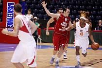 Z basketbalového utkání Eurocupu Nymburk - Bamberg (71:66)