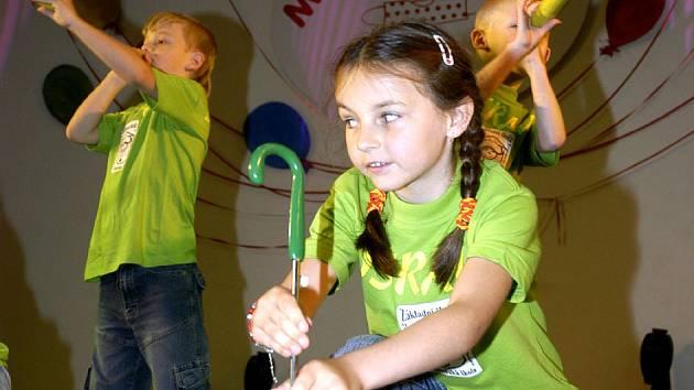 Sportcentrum hostilo školky z celé České republiky. Nechyběli ale ani domácí školky.