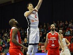 Z basketbalového utkání FIBA Europe Cupu Nymburk - Sofia (85:78)