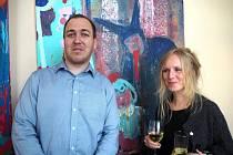 V poděbradské Galerii Hotelu Zámeček je otevřena výstava obrazů Jitky Petrášové s titulem Neplavkyně.