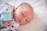 KRYŠTOF KOLAŘÍK se narodil 6. prosince 2018 v 16.44 hodin s délkou 49 cm a váhou 3 150g. Očekávaný prvorozený chlapeček odjel se svými rodiči Hanou a Michalem domů do Týnce nad Labem.