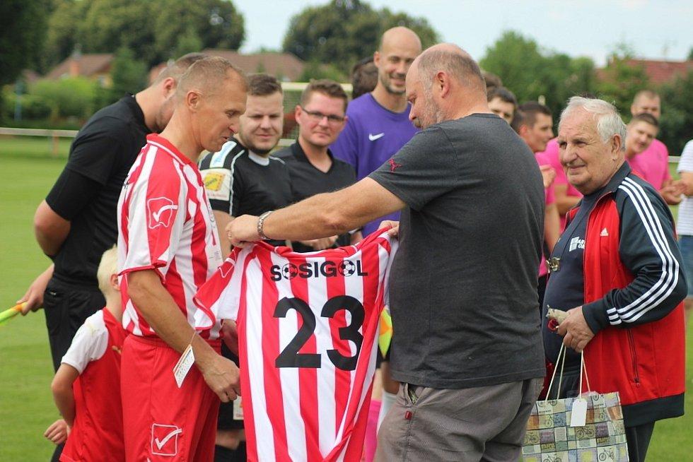 Fotbalista a trenér Václav Sosnovský se loučil s Lysou nad Labem exhibičním zápasem