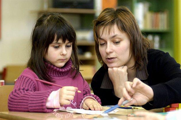 Malé školy jsou ochotné si žáky i kupovat.