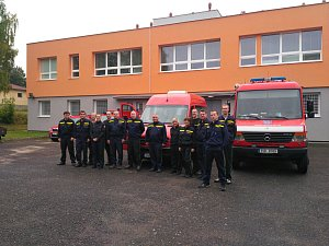 Devět pražských hasičů odjelo na cvičení MOLDEX 2017
