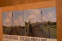 V Čelákovicích oficiálně zahájili stavbu cyklostezky přes Labe.