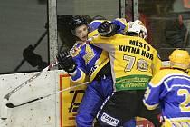 Z hokejového utkání Nymburk - Kutná Hora 2:4.
