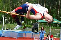 DVA METRY. Takovou výšku poprvé v životě pokořil nymburský atlet Mikuláš Havel. To mu vyneslo druhé místo