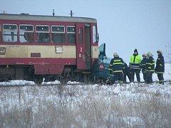 Škoda Octavia vjela u Strak přímo pod kola vlaku